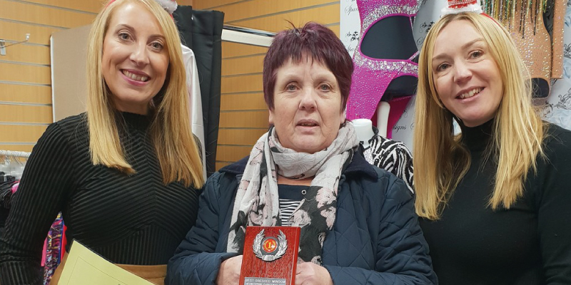 Crowds support Hednesford's Christmas lights switch on